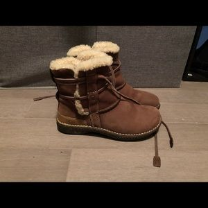 Ugg Tan Lace Boots Size 5